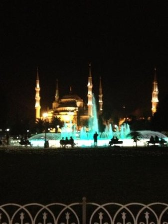 سورا ديزاين هوتل آند سويتس - بوتيك كلاس:                                     sultan Ahmet cami                                  