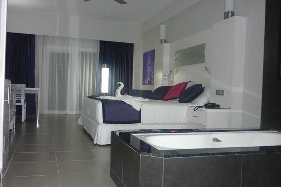 Hotel Riu Palace Costa Rica:                   cama