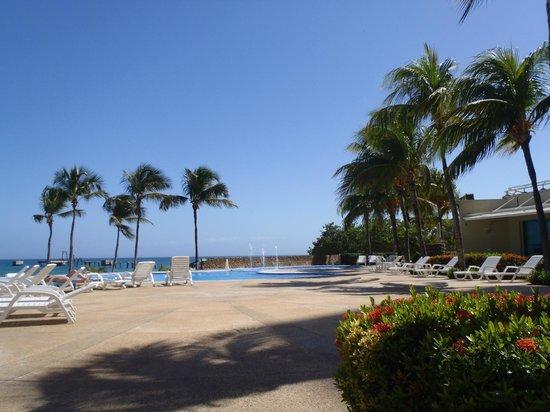 Bahia Dorada:                   piscina