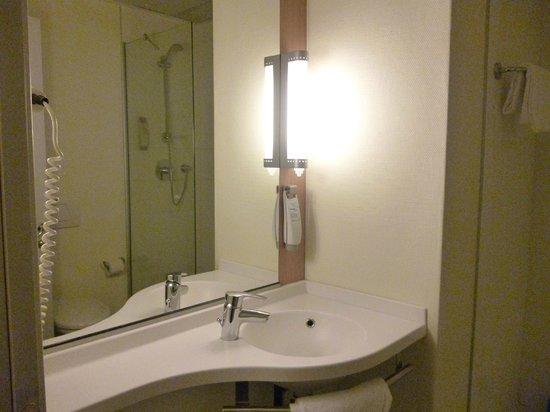 Ibis Milano Centro: baño