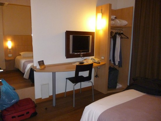 Ibis Milano Centro: habitacion