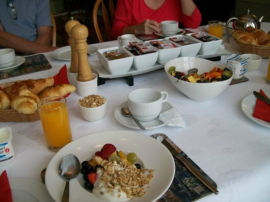 Mon Logis Bed and Breakfast:                   The famous Breakfast