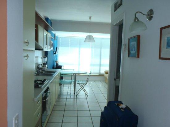 Bahia Dorada:                   cocina