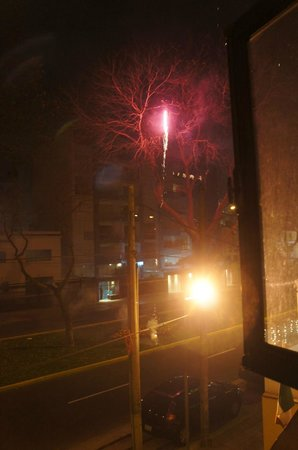 Youth Hostel - Hostelling Internatinal Lima - Peru:                   new year's firework from room