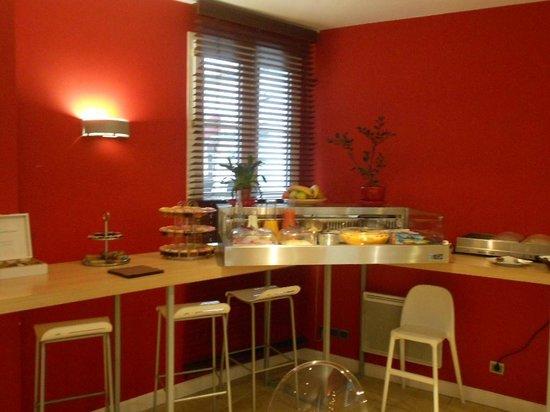 Hôtel La Jetée :                                     coin petit déjeuner