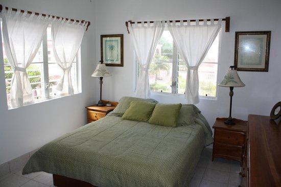 Caribe Island Condos : Master Bedroom
