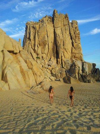 Playa Grande Resort: Playa Solmar!! caminando al Arco