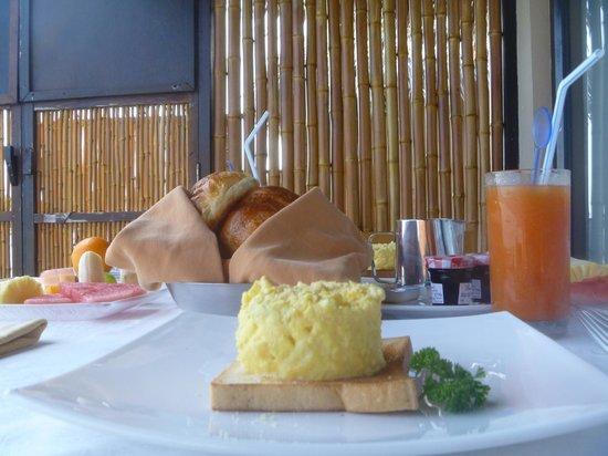 Adaaran Prestige Vadoo:                   petit déj dans la villa