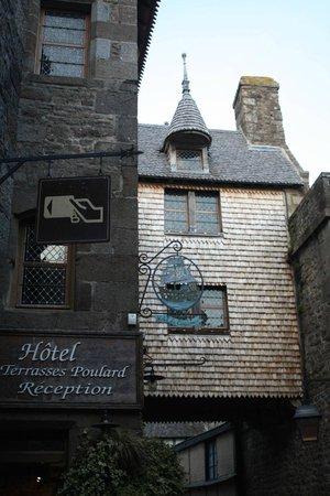 La Mere Poulard:                   Hotel entrance