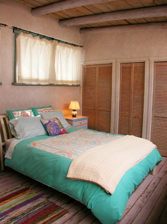 Inger Jirby's Guest Houses: Cozy loft in Red Hawk