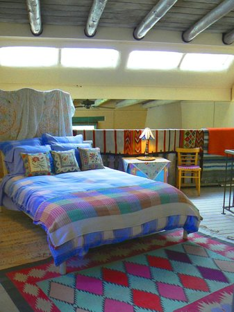 Inger Jirby's Guest Houses: Beautifully lit bedroom in Rio Grande