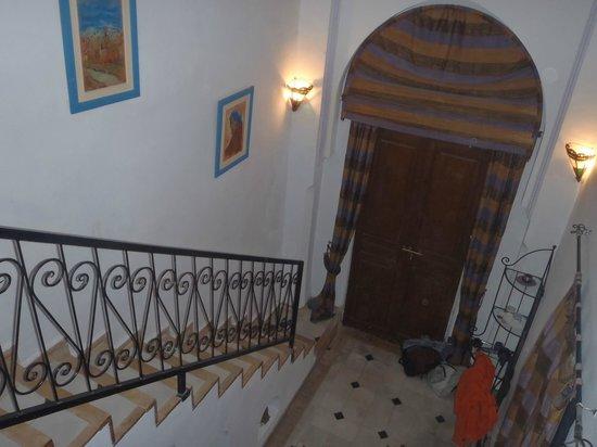 Riad Amina:                   chambre rdc type suite