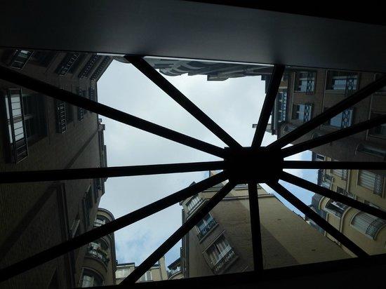 巴黎雪茲飯店照片