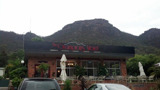 The Grampians Motel & The Views Restaurant, Halls Gap:                   Grampians Hotel
