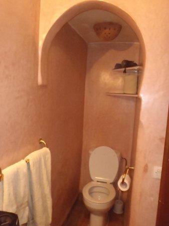 Riad Amina:                   salle de bains étage
