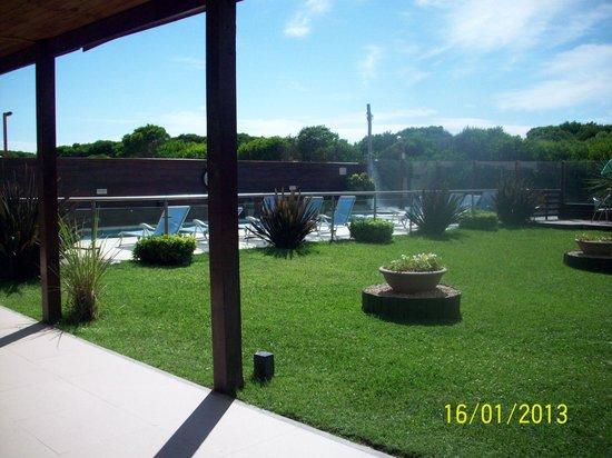 Q Inn Apart Hotel & Spa:                   Pileta