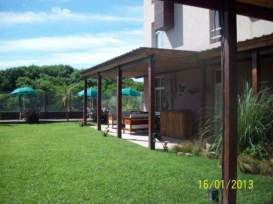 Q Inn Apart Hotel & Spa:                   Patio