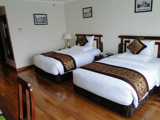 Rex Hotel:                   Beautifully decorated with harwood floors and large seating area