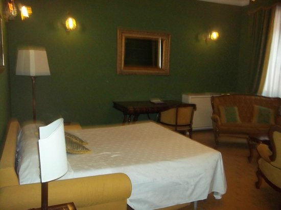 Hotel Ca' dei Conti:                   Habitación