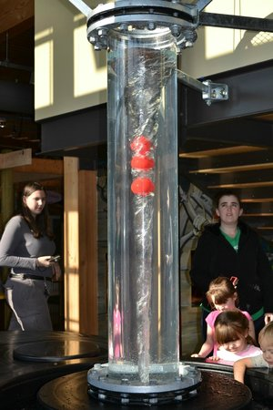 Hands On Children's Museum: Water tunnel play