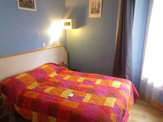Hotel Audran:                   Comfy Bed