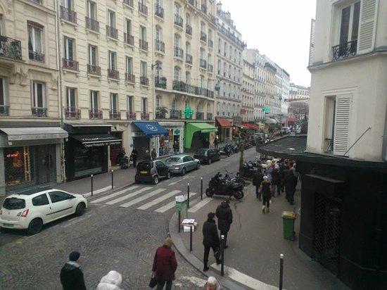 Hotel Audran:                   Rue Abbesses