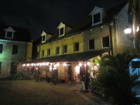 Baka Foto:                   ingang restaurant