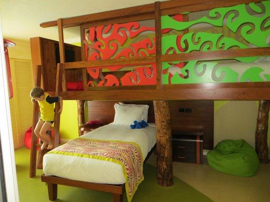 ฮอลิเดย์ อินน์ รีสอร์ท วานัวตู:                   kids suite