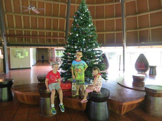 Holiday Inn Resort Vanuatu:                   lobby