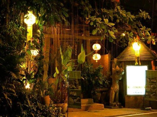 Tianzi Tea House and Garden:                   The front