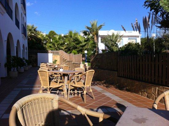 Hotel El Puntazo:                   terass utanför matsalen där vi åt frukost