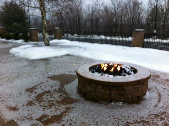 Courtyard by Marriott Scranton Wilkes-Barre:                   Fire Pit and Relaxation Area