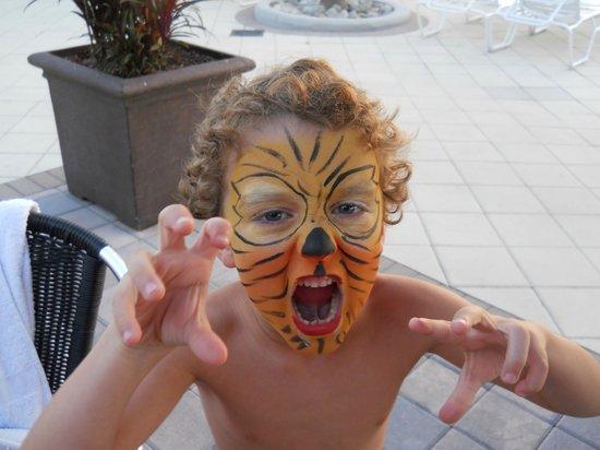 Holiday Inn Club Vacations Orlando - Orange Lake Resort:                   Face Painting