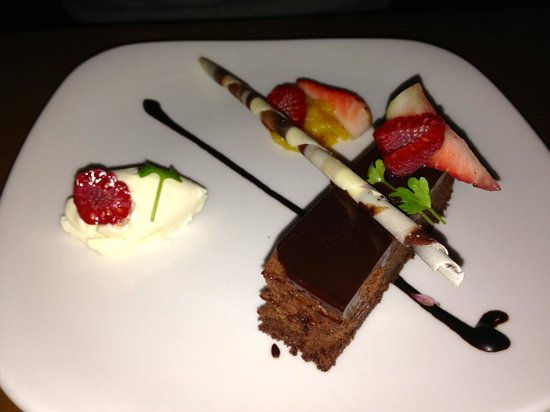 Pier 7 restaurant + bar:                   Chocolate Pave