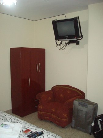 Hostal Perla Real Inn:                   New furniture and good cable TV