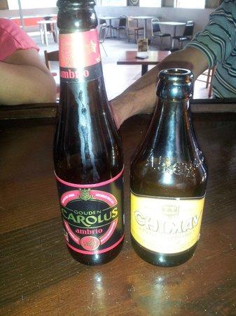 Restaurant El Roble: La mas extensa variedad de cervezas artesanales en el area central