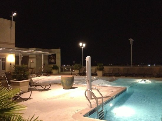 Renaissance Montgomery Hotel and Spa at the Convention Center: Rooftop Pool