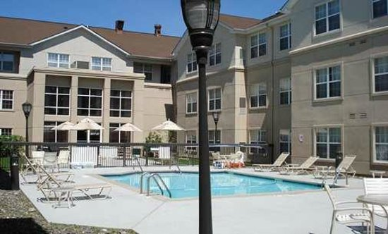 Homewood Suites by Hilton Mahwah: Take a dip in our outdoor pool at this Mahwah, NJ hotel.