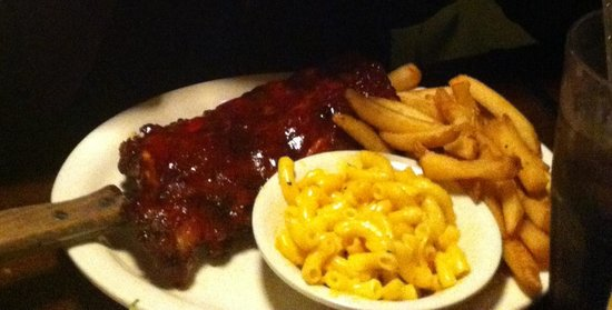 Memphis Barbecue Co.: half rack wet ribs