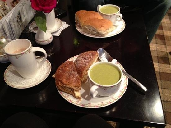 1657 Chocolate House:                   Soup and a roll - yum yum!!