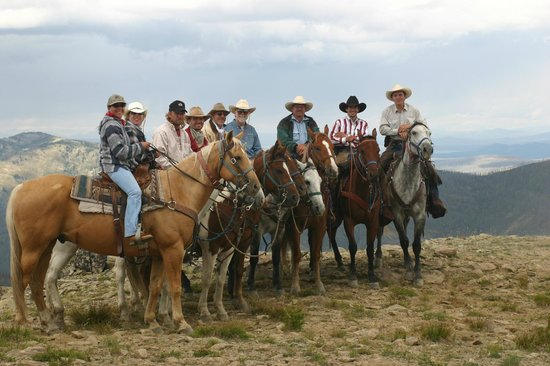 Skyline Guest Ranch and Guide Service: Atop Big Game Ridge