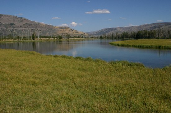 Skyline Guest Ranch and Guide Service: Bridger Lake