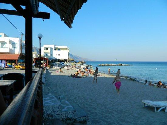 El Greco:                   Beach and sea just in 10 meters .