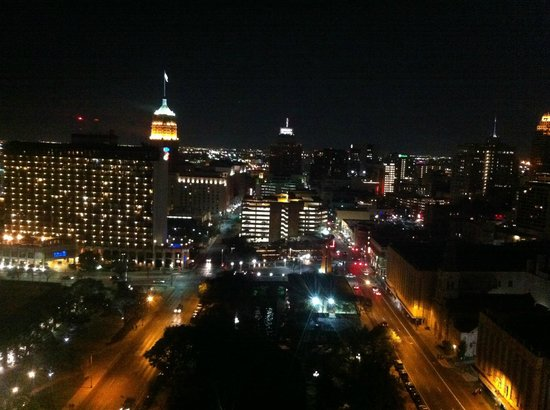 San Antonio Marriott Riverwalk: Night on the Town