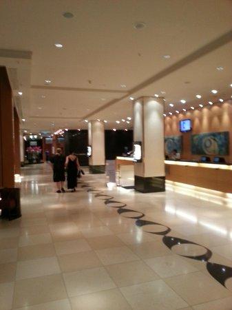 Hilton Vienna: hall