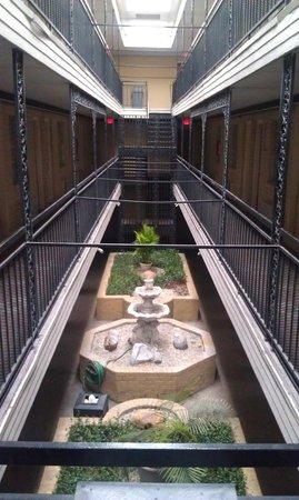 سوبر 8 نيو أورليانز: Courtyard