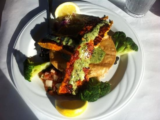 Fishwife:                   barrimundi fish dish
