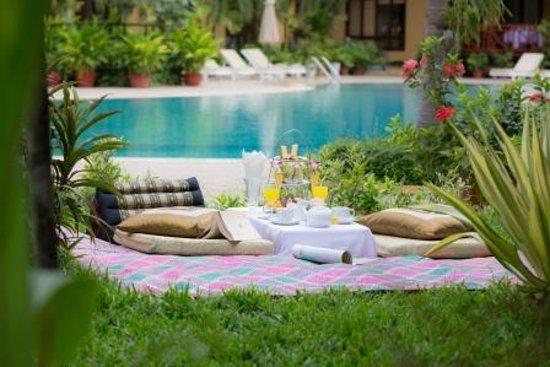 Angkor Paradise Hotel: Hotel Garden