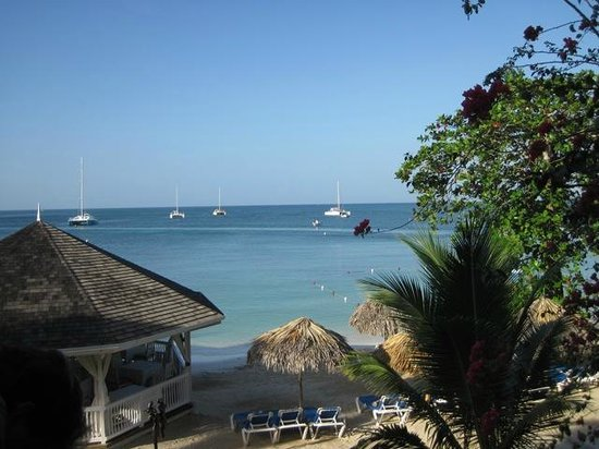 Sandals Negril Beach Resort & Spa:                   View from 2nd floor of Coconut Grove building