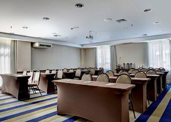 Quality Hotel Curitiba: Araucaria Escolar